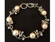 fresh water pearl bracelet